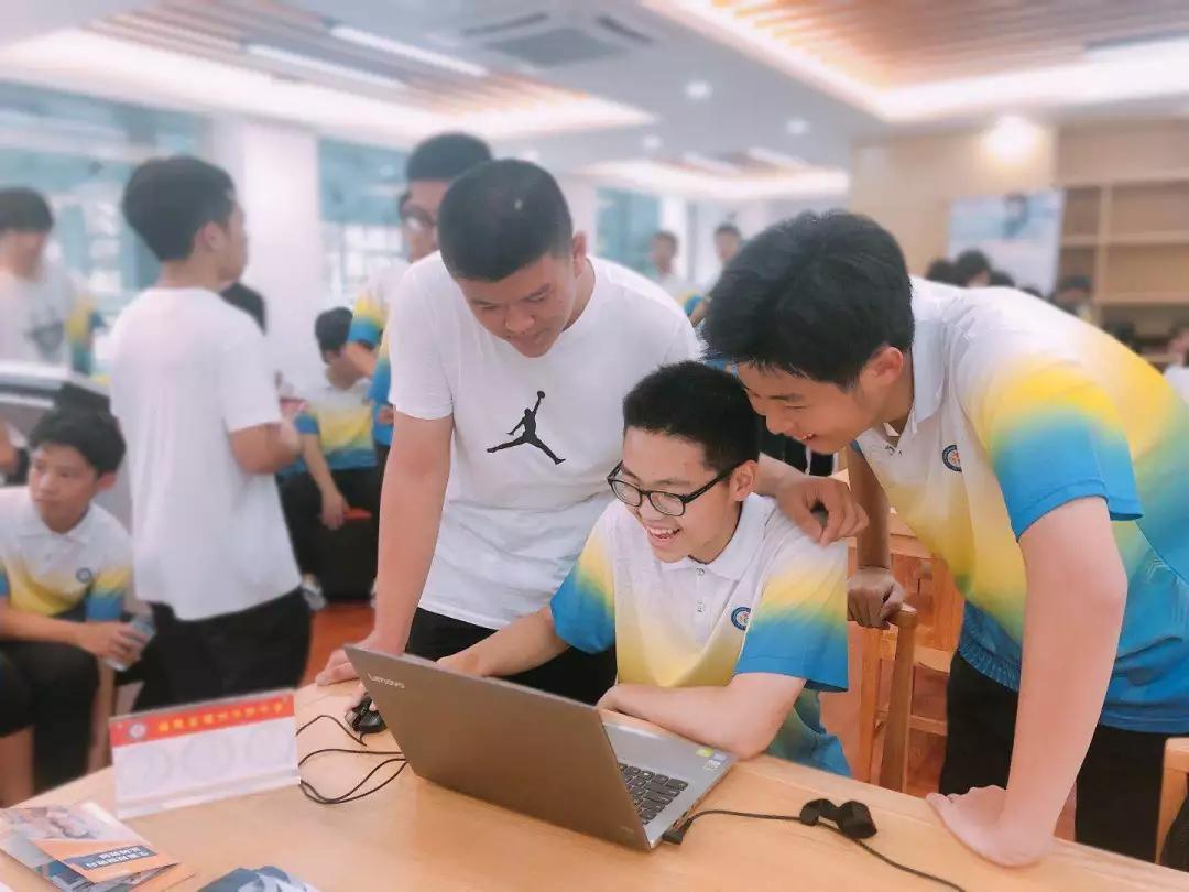 福州华侨中学举办首届生涯游园会 校园在线首亮相插图4