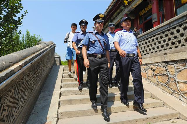 中国与意大利警方开展联合巡逻