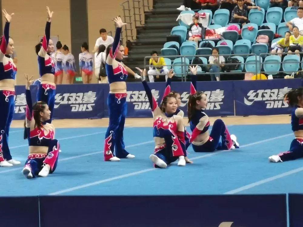 2019年湖北省体育特色项目学校v体育健美操天马网球图片
