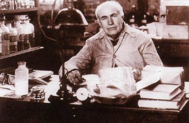 百年以前,爱迪生为电动车代言,燃油车甘拜下风