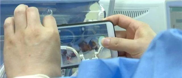 常州一医生连做4台手术后瘫坐在老婆病房门前 我的孩子正在抢救图片 21471 640x275