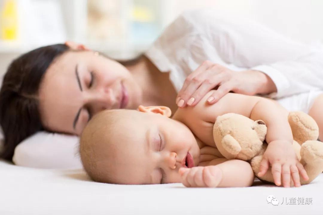 孩子小时候常跟这三类人睡觉,长大后会变得很优秀,是宝宝的福气