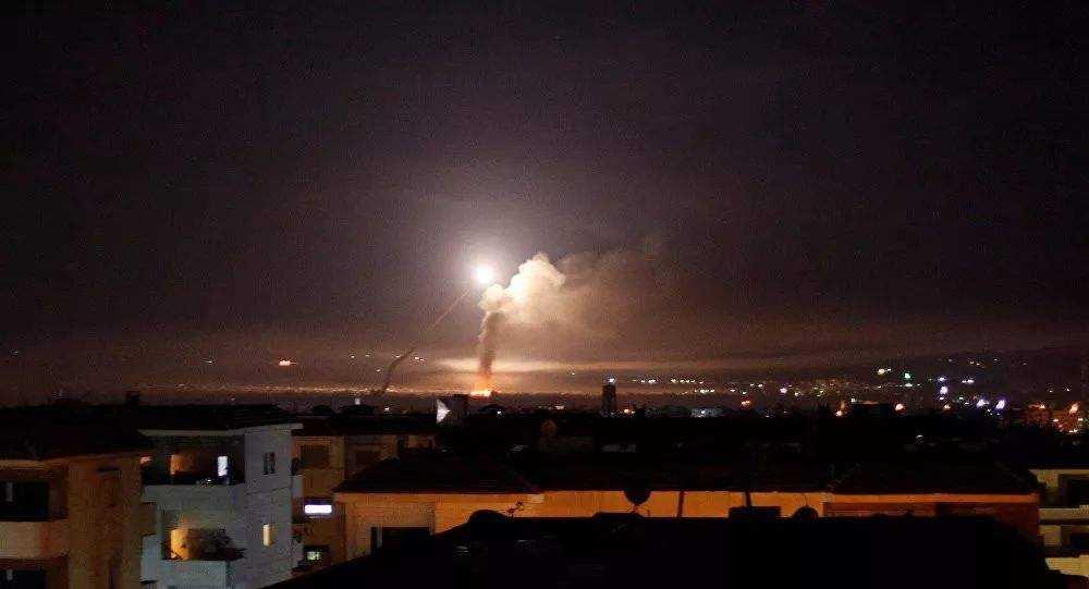 突发 伊朗大型油轮遭遇劫持 轰炸后以色列战机严阵以待