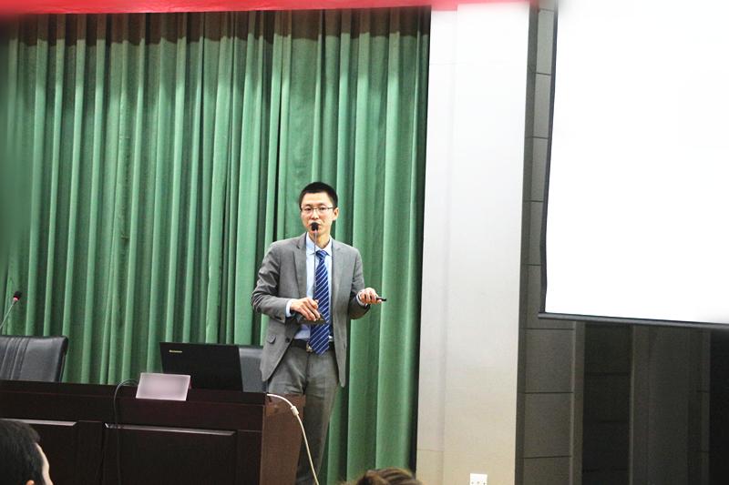 张世金律师为全省300多名实习律师讲授《青年律师的专业化之路》