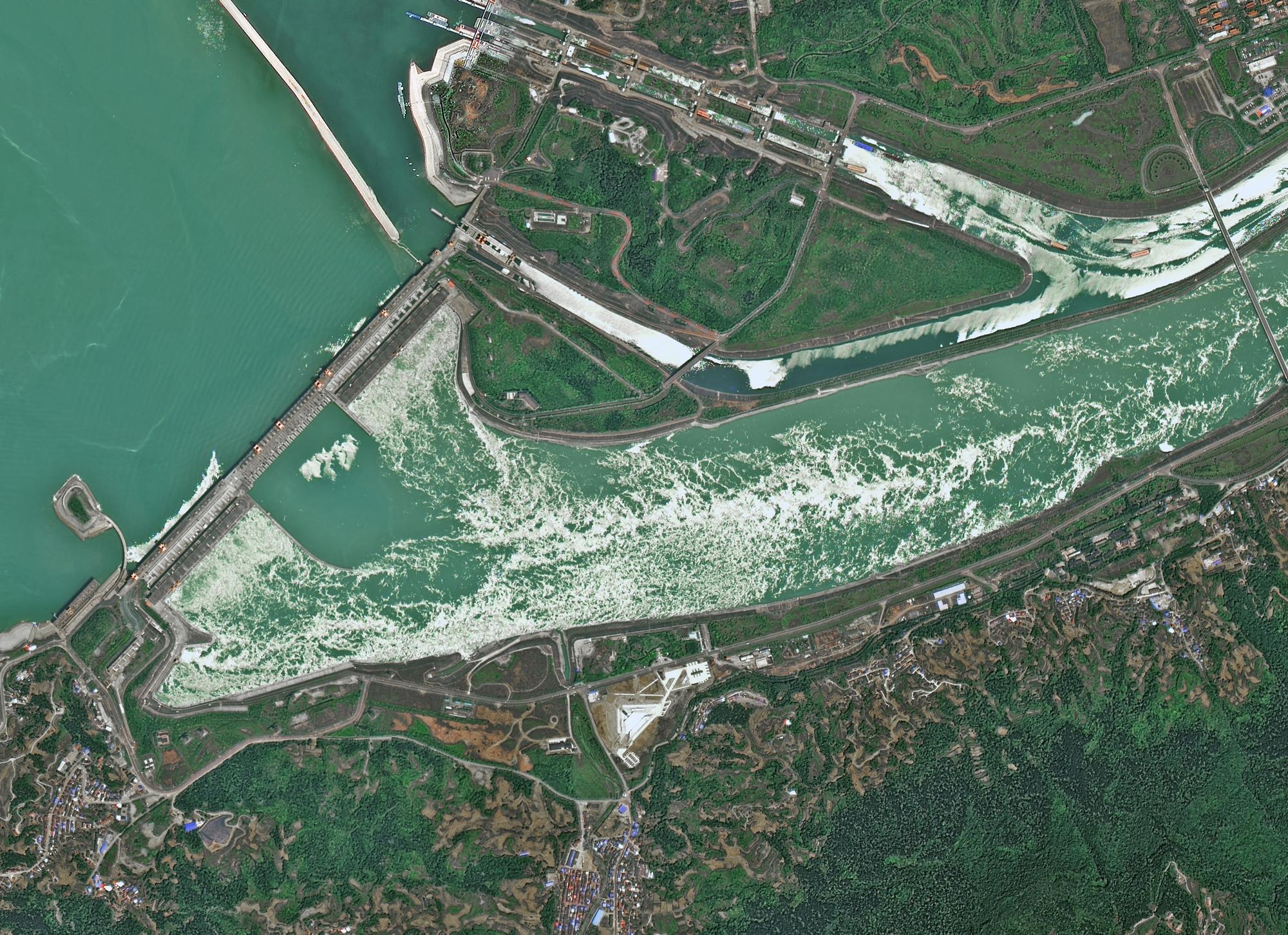 三峡大坝再次躺枪,中国航天霸气回怼,意外曝光我国卫星真实能力
