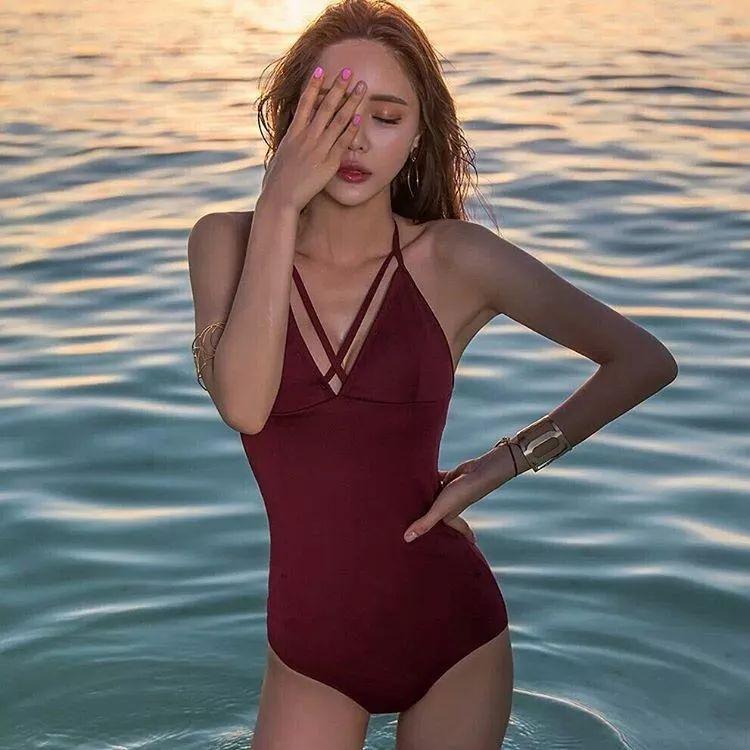 来不及减肥的小心机! 7个隐藏身形缺点的选择泳衣方法 imeee.net