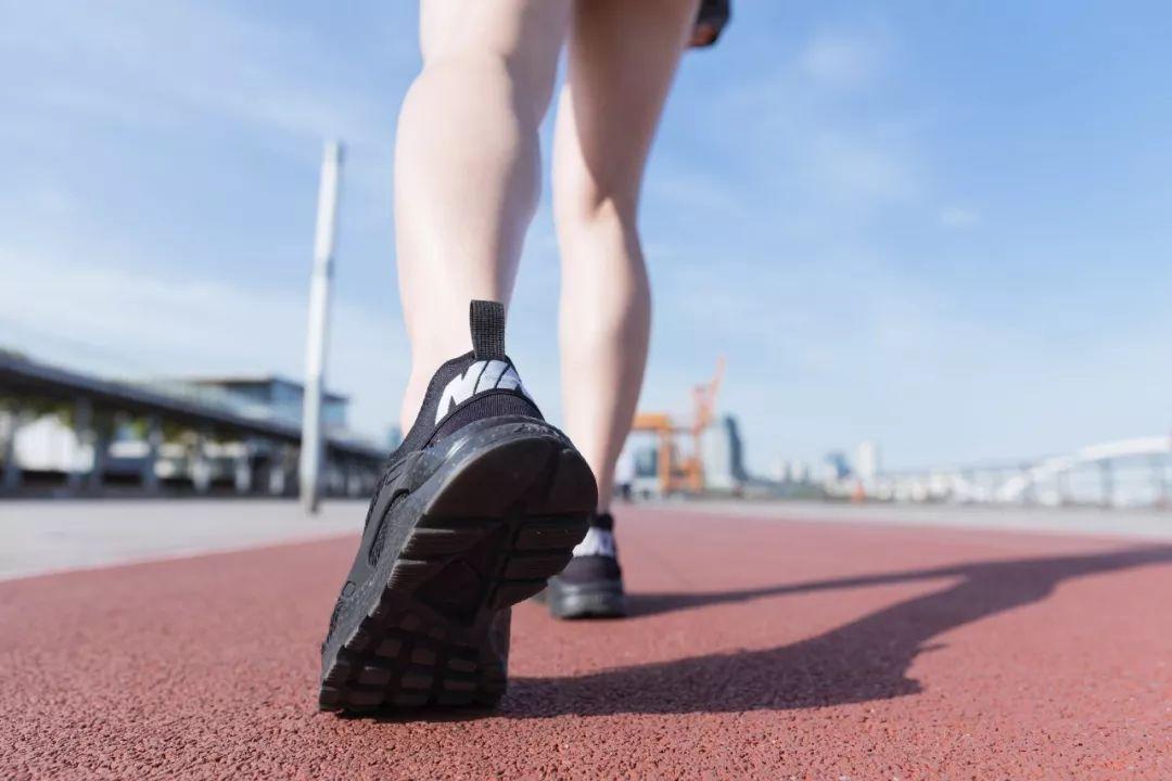 走路和不走路10年后的区别,原来每一步都是一味药