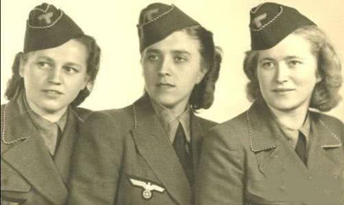 希特勒颁布一无耻政策,死后320名女军官主动殉葬,洗脑太深图片