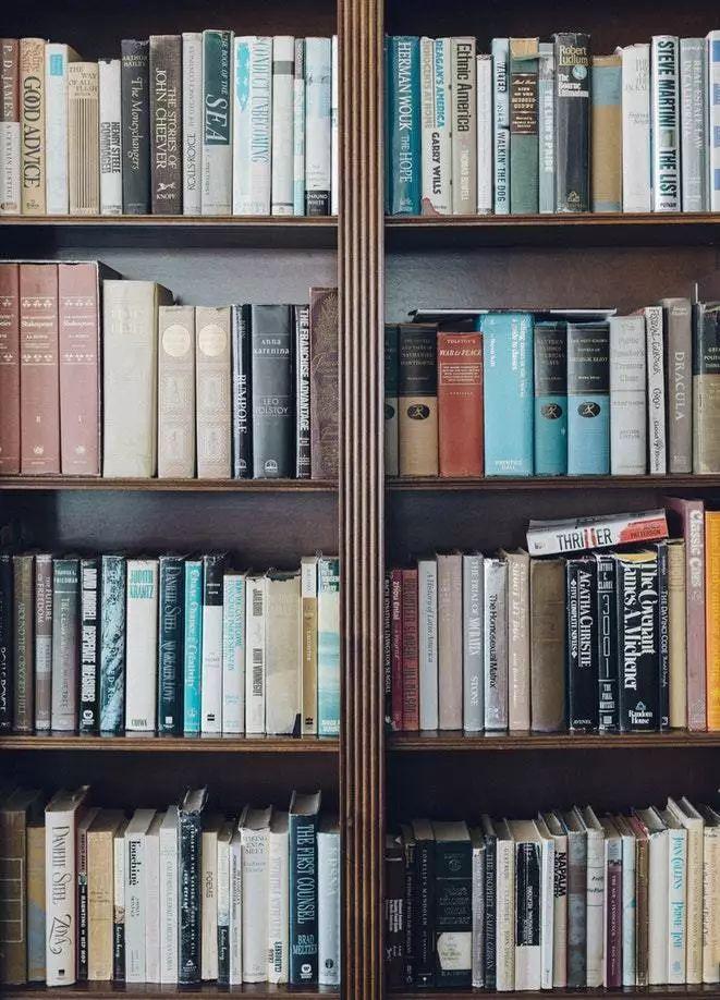 夏日读书好消暑 闲淡独享好时光