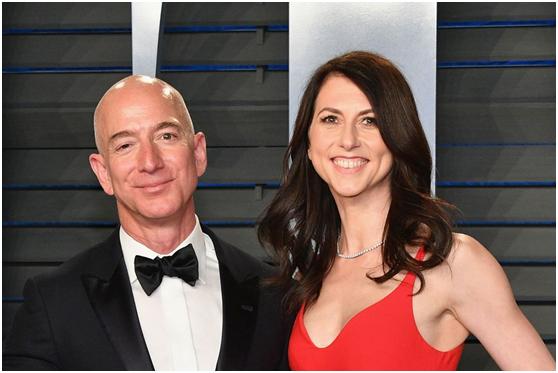 贝索斯正式离婚:前妻分得380亿美元,网友:离完婚他还是世界首富……