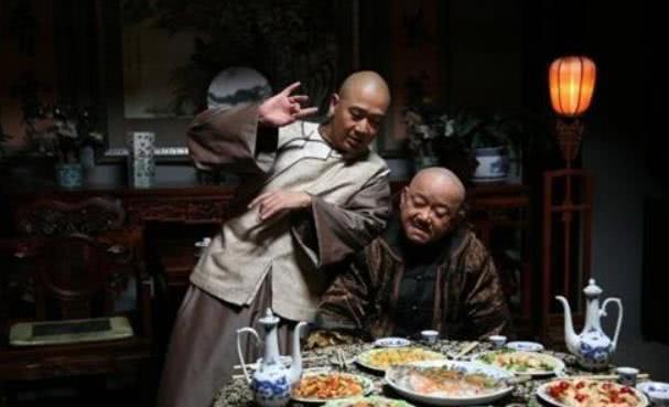原创 小偷来到和珅家,看到满屋子黄金,空手离开后痛哭:再也不来了