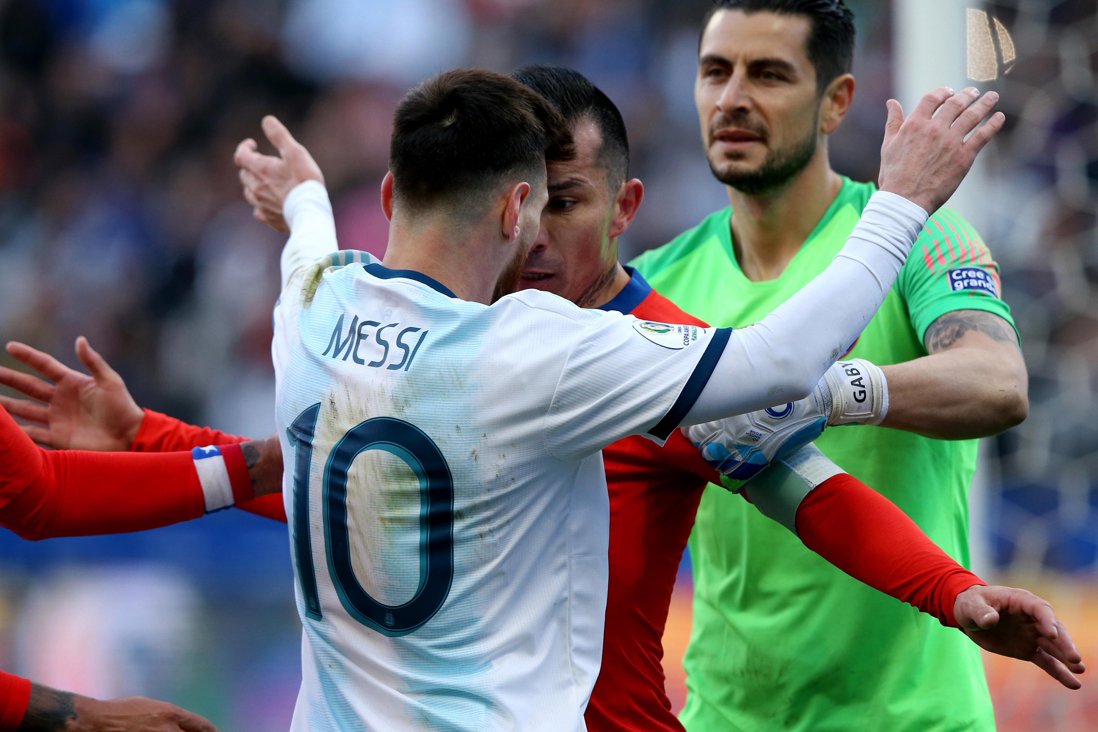 """梅西国家队处子秀_愤怒的梅西:红牌被罚,梅西抨击美洲杯""""腐败""""!拒绝参加 ..."""