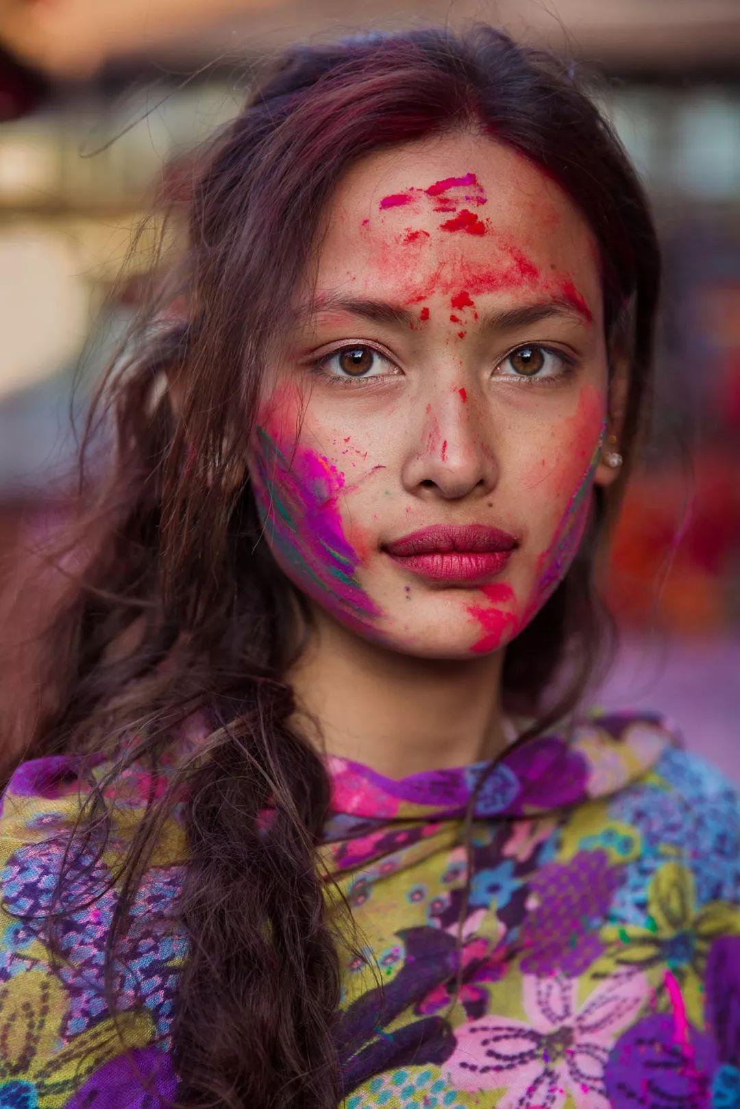 原创             她拍了2000位美女,打破网红脸审美:这样的美人,流水线生产不出 ...