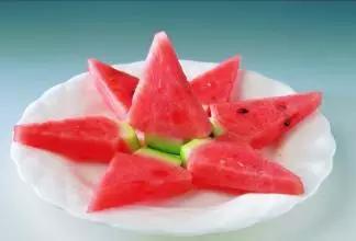 糖尿病人可以吃西瓜嗎 糖尿病人怎樣吃西瓜比較健康