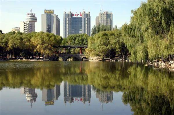 黄河流经内蒙古之呼和浩特