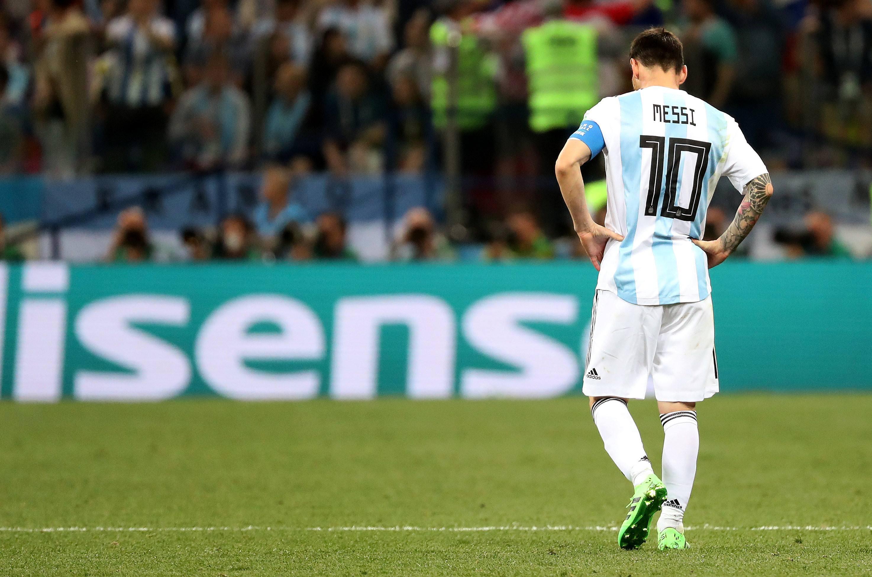 鲁尼直言新赛季的曼联,无资格拥有优秀球员,梅西被美足联针对了