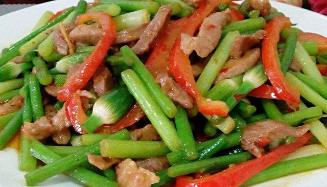 韭苔的几种新吃法简捷美味又下饭学会了可以做给家人吃