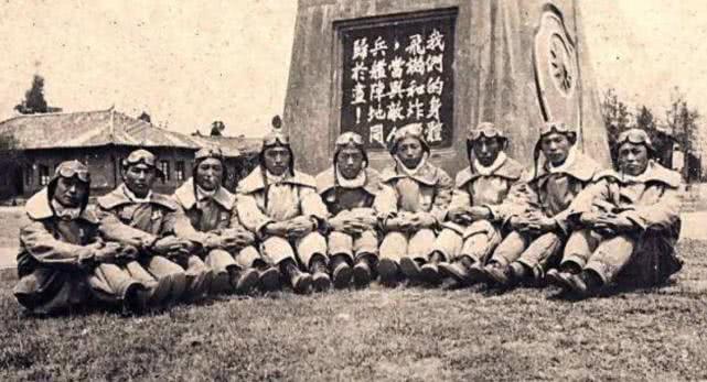 原创 此人轰炸日军司令部,弹尽粮绝后举枪自杀,临终遗言让日军震撼