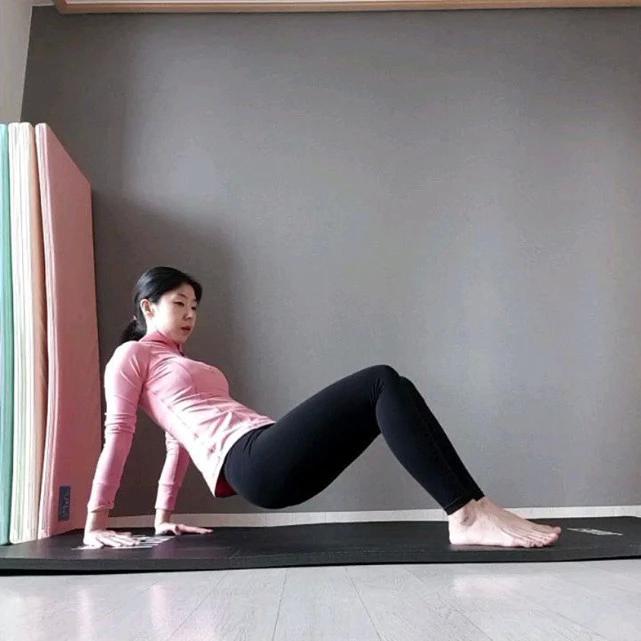日本宝妈生完孩子暴食暴饮,体重达136斤,历经大半年锻炼转变极大 作者: 来源于:猪猪评球