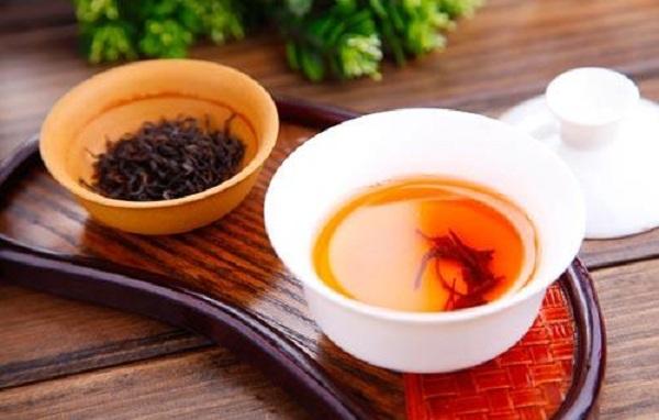 绿茶和红茶哪个好?