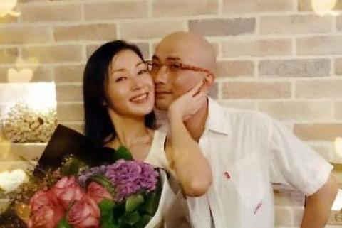 """49岁""""马小玲""""近照曝光,容貌身材似少女,结婚20年至今无子! v118.com"""