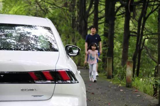 在原半退休汽车媒体眼中,东风标致508L是什么?