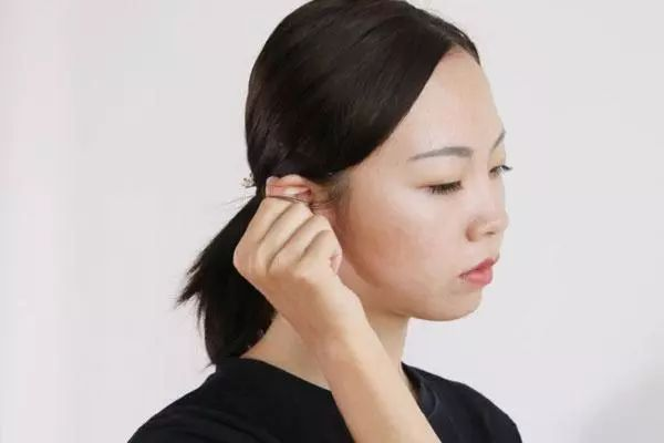 耳朵越掏越痒 可能和这几件事情有关