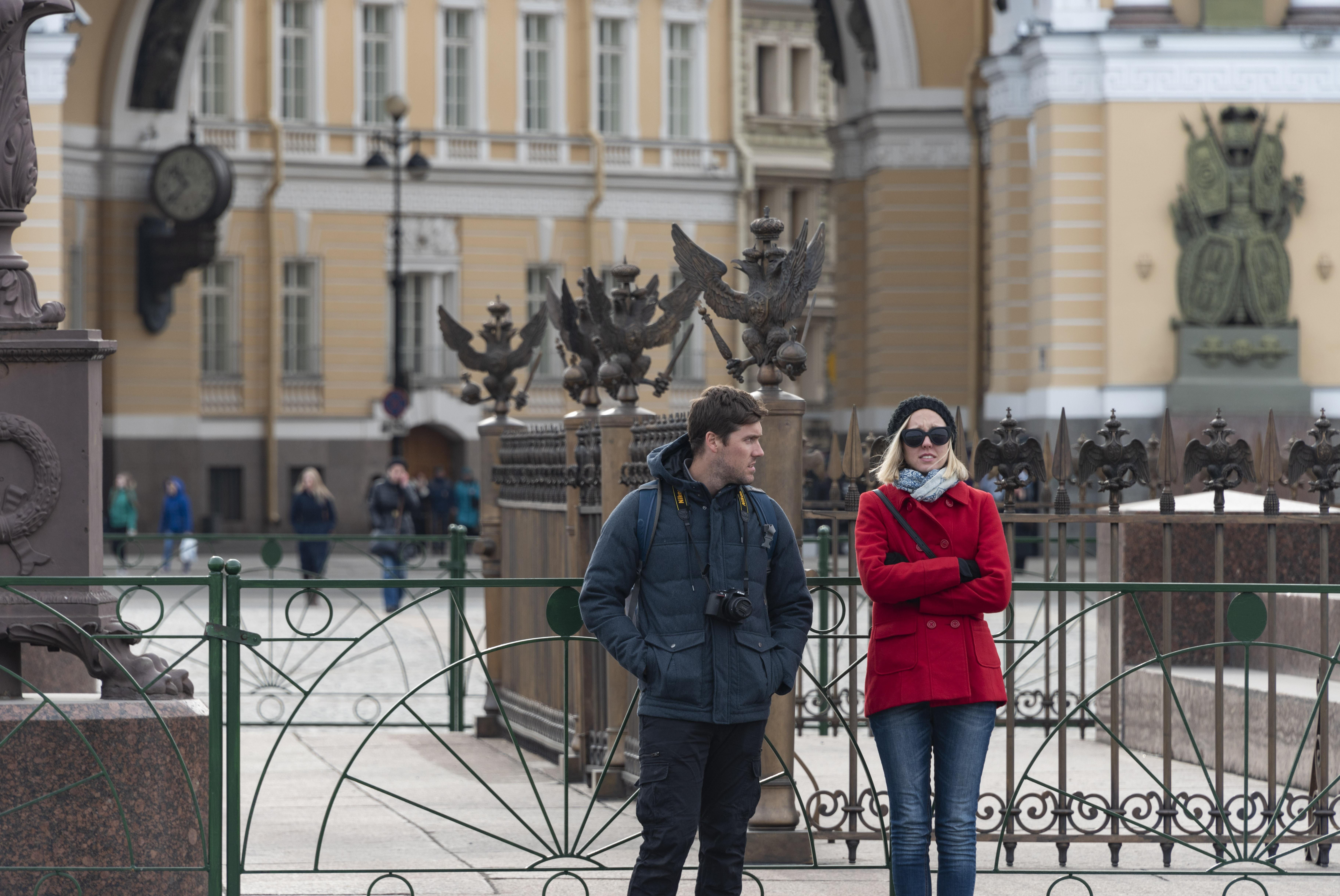 北京故宫前有天安门广场,圣彼得堡冬宫前有什么?_胜利