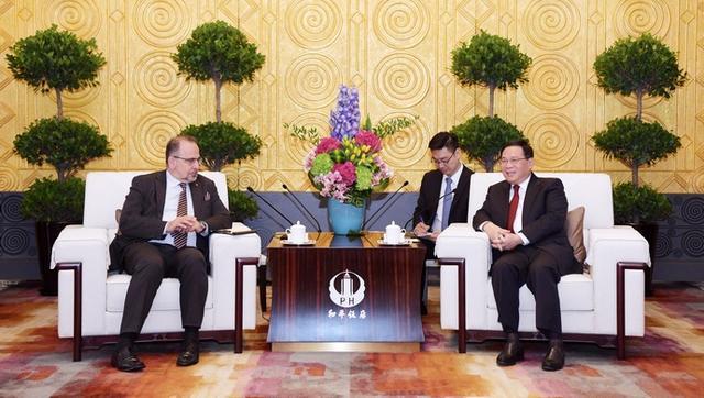 欧盟经济社会委员会主席同李强书记会见时,赞叹上海城市品格