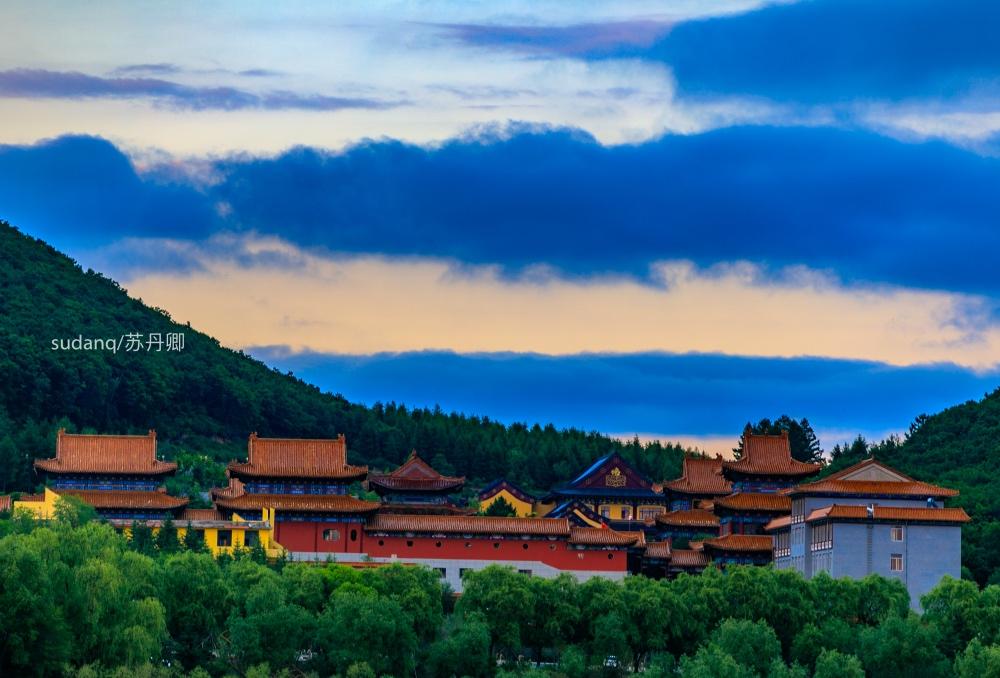 东北正觉寺:出家人种菜给游客吃,不收取费用,只求不浪费