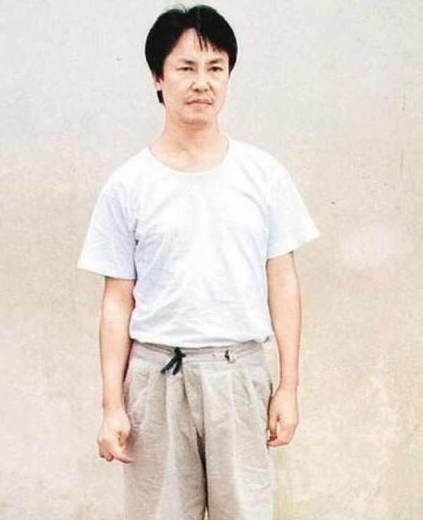 一个广西乡下孩子成世纪贼王,曾绑架李嘉诚儿子,勒索10个亿