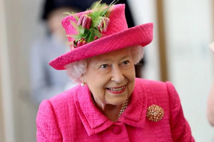 又有人闯白金汉宫!英国女王正在熟睡,闯入者离她卧室仅几米远