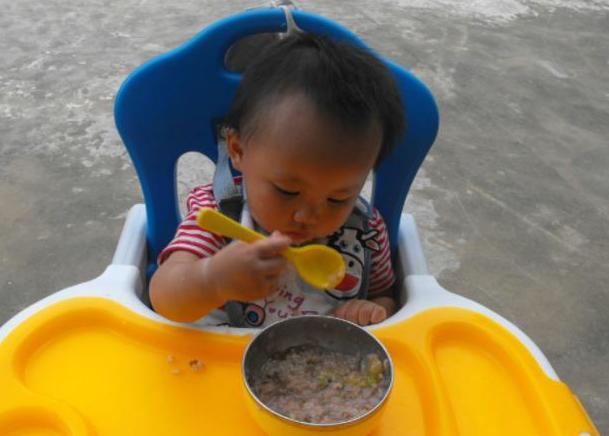 育儿专家:明日入伏,少给孩子吃这4种食物,伤脾胃还不自知