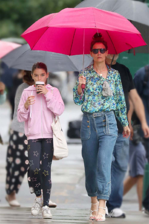 阿汤哥女儿越长越美,小苏瑞吊带配丝绒裙出街,13岁气质远超爸妈 chunji.cn