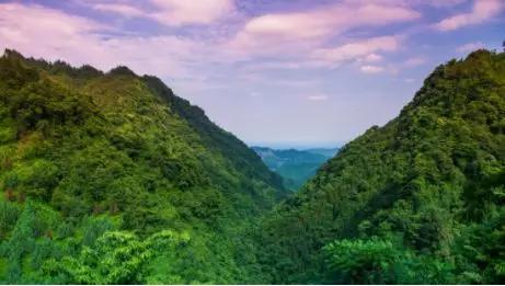 攀岩,统统都有 @松锅 今年的成都,虽然不热,但却足够闷,在高楼林立的图片