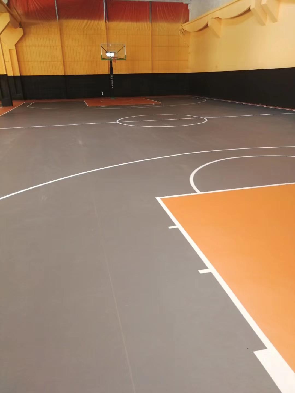 篮球场木地板清洁方法
