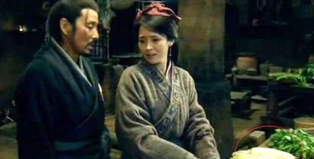 原创 刘邦登基后,每天给嫂子吃一样东西,嫂子含泪求放过,称受不了