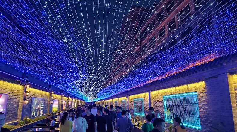 南巷一号开街 潍坊新增一网红打卡地