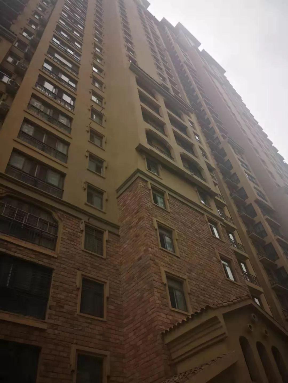 河南13岁男孩16楼扔下俩灭火器,全楼要求其家人搬离!