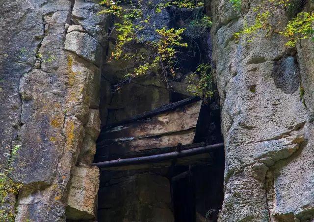 旅游 正文  澄澈的汾河水,亭台楼榭林立 ▼在尚未走进汾河源头之前,一图片
