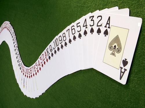 用扑克牌决定新生儿的生死 割肝救女,妈妈该如何选择?