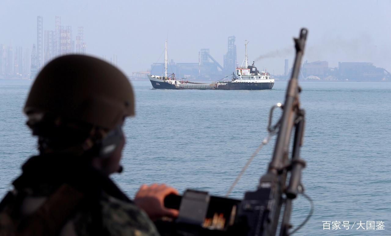 5艘伊朗战舰拦截英巨轮,1小时后局势逆转,俄:这是第一次
