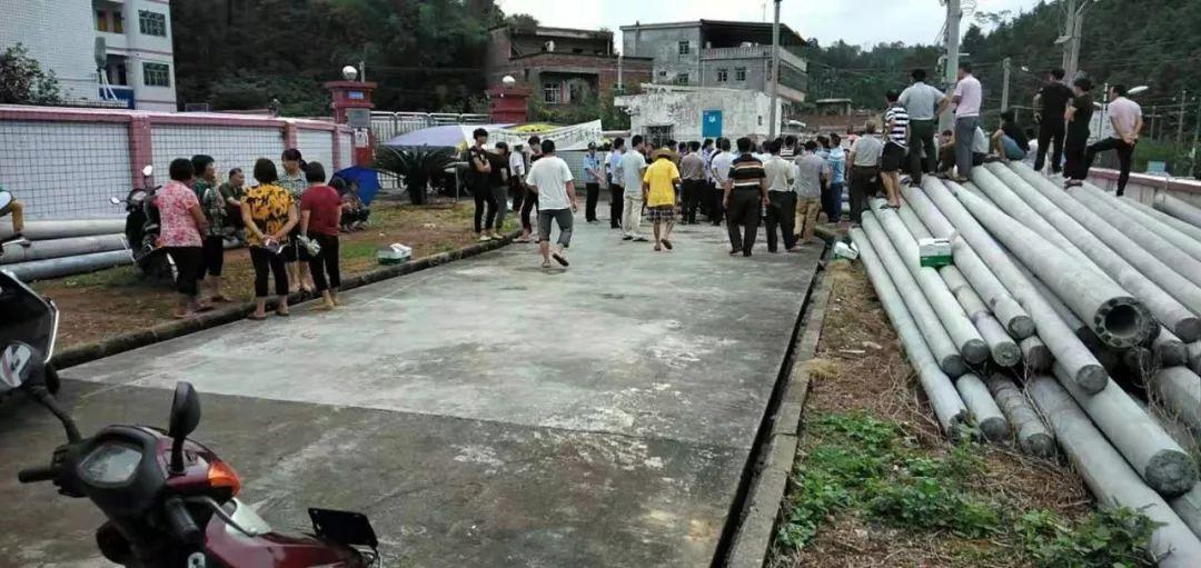 情况通报!梅州某镇发生村民抬尸棺围堵供电所事件