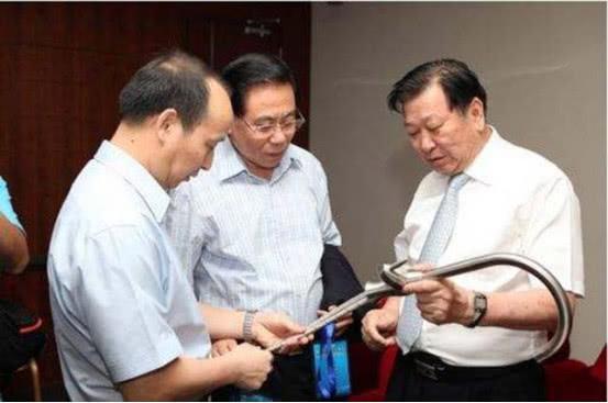 中国炊具大王诞生:低调超过美的、双喜,78岁坐拥68亿身家