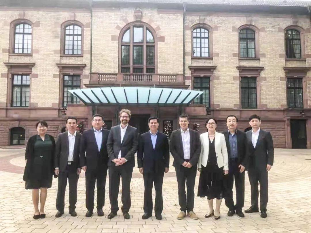 郑伟铭率开发区商务团组赴德国洽谈