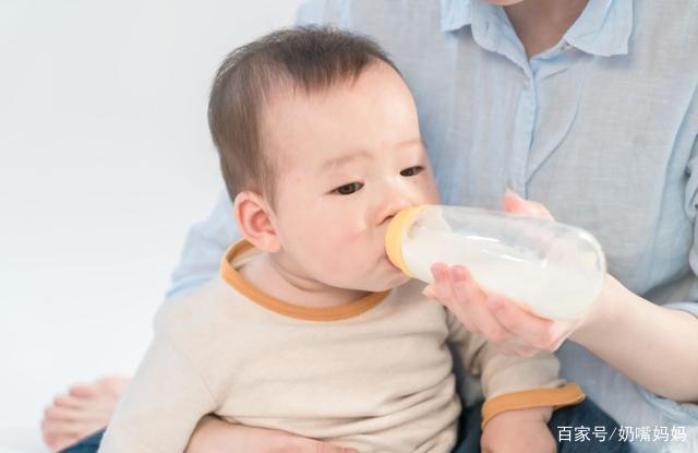 """为什么越来越多新手妈妈不肯喂""""母乳""""这几个原因,让人很无奈"""