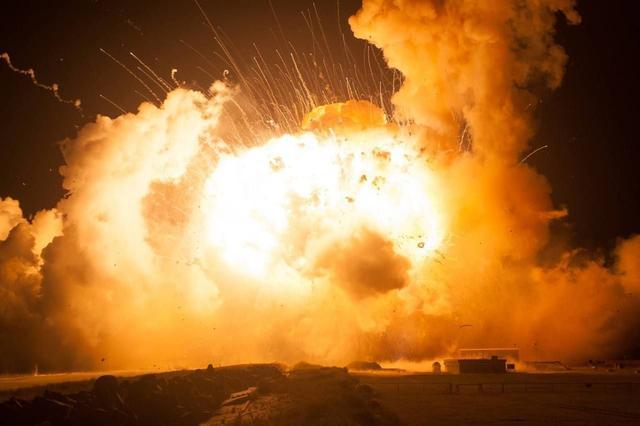 乌克兰停战失败,亲俄武装与乌克兰发生多次交火,相互指责对方