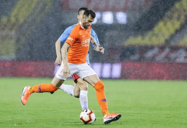 北京雷雨来袭,武汉卓尔雨战高手巴普蒂斯唐迎破荒最佳机会