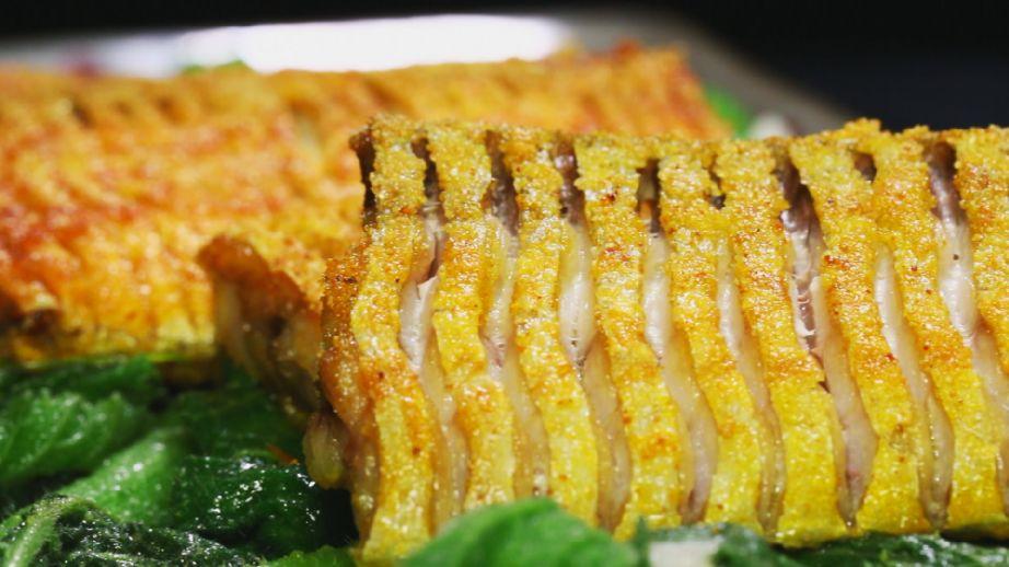 <b>【养生厨房】今日菜谱《金粉脆带鱼》</b>