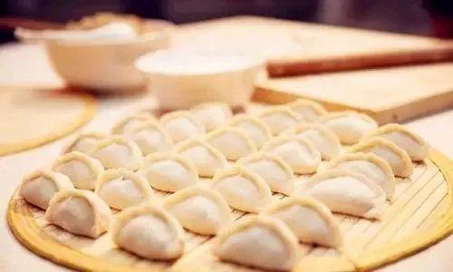 头伏饺子有诀窍,蔬菜和面、豆腐做馅,营养又减肥、还能稳定血糖